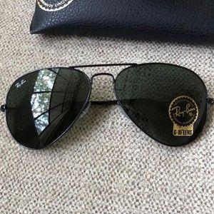 Ray ban aviators 58mm black frame sunglasses 3025